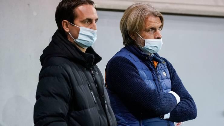 Ihr Urteil entscheidet die Zukunft der FCA-Spieler mit auslaufendem Vertrag: Sportchef Sandro Burki (links) und Cheftrainer Stephan Keller.