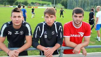 Neue Gesichter beim FC Urdorf (v.l.): Verteidiger Kamber Dzelili, Torhüter Samuel Winkler und Stürmer Fahrudin Adilovic.