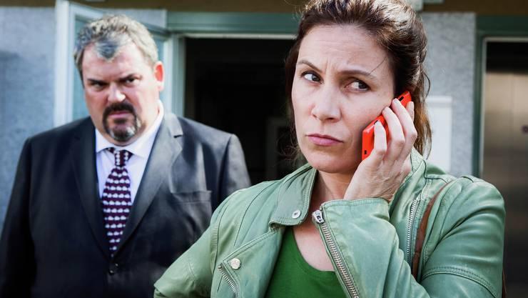 «Offene Wunden», die erste Folge der dritten «Bestatter»-Staffel: Paar vor der Krise? Mike Müller (Luc Conrad), Barbara Terpoorten (Anna-Maria Giovanoli)