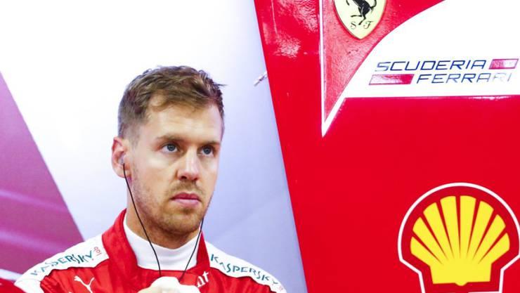 Sebastian Vettel fährt vor dem Qualifying Bestzeit