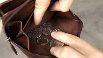 Der Geldsegen für die Steuerzahler als Folge der SVP-Initiative vergrössert das Loch in der Kasse des Kantons um jährlich 75 Mio. Franken.