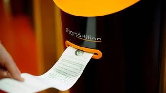 Eine dreiminütige Geschichte aus dem Automaten ist 60 Zentimeter lang. HO