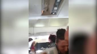 Die 121 Passagiere der ALK Airline wurden während dem Flug von Pristina nach Basel von heftigen Turbulenzen überrascht.