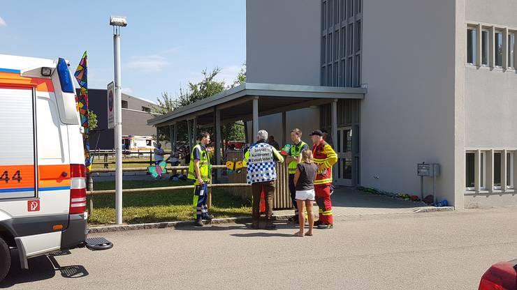 Feuerwehr und Sanität sind vor Ort.