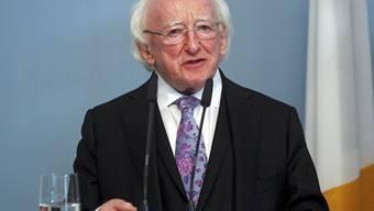 Als haushoher Favorit für die Präsidentschaftswahl gilt der 77-jährige Amtsinhaber Michael D. Higgins.