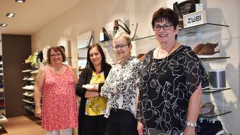 Coni Hugo, Samantha Della Pia, Cécile Knecht und Gerlinde Thommen (v.l.) arbeiten gemeinsam bei «Knecht Schuhe».