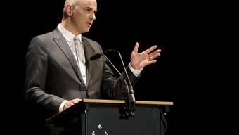 Bundespräsident Alain Berset bei der Eröffnung des Internationalen Filmfestivals Freiburg (FIFF).