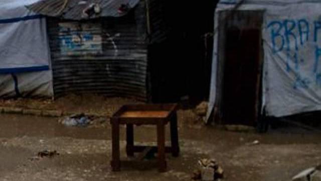 Zelte eines Lagers von Erdbeben-Opfern weggeweht