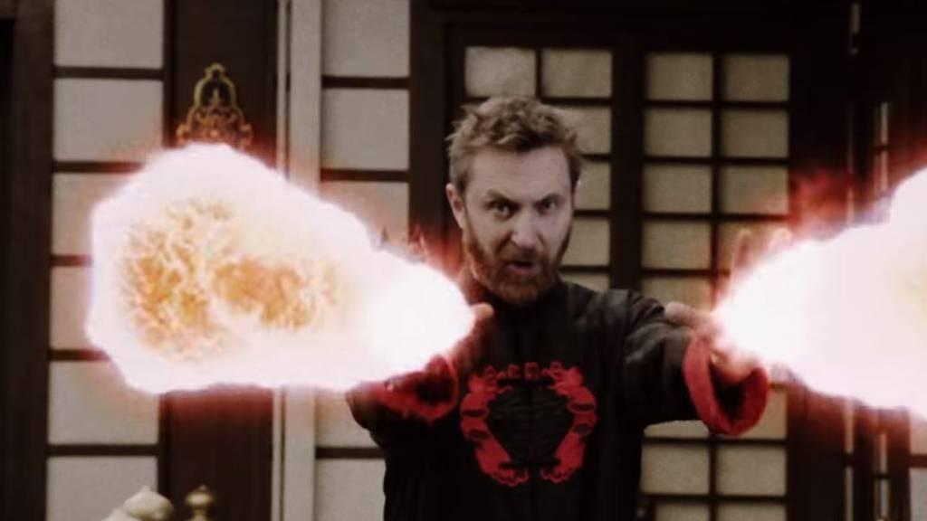 David Guetta spielt Kung-Fu-Superschurken