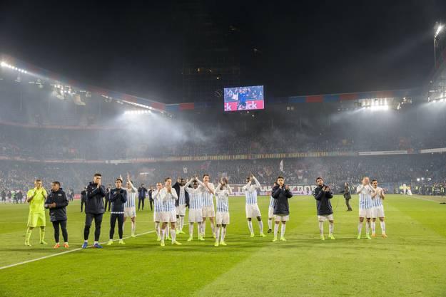 Der FCZ verabschiedet sich nach der Niederlage von seinen Fans.