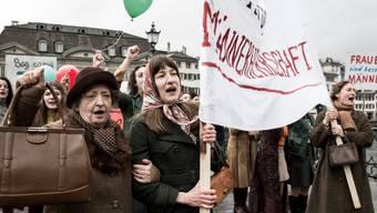 """Den Kampf um das Frauenstimmrecht haben Nora (Mitte, Marie Leuenberger) und ihre Mitstreiterinnen gewonnen, jenen um den Oscar nicht: """"Die göttliche Ordnung"""" hat den Sprung auf die Shortlist nicht geschafft."""