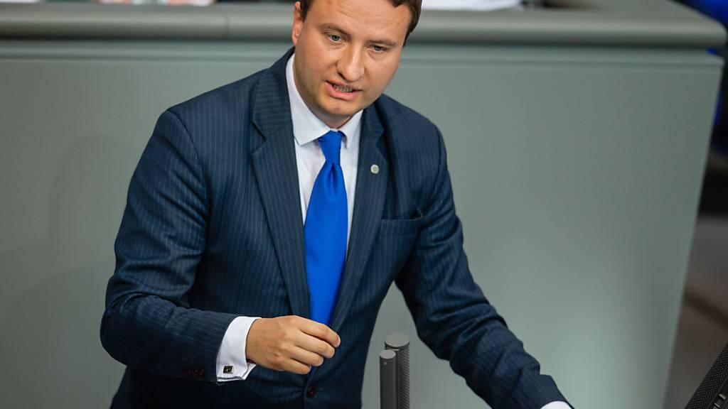ARCHIV - Mark Hauptmann, Bundestagsabgeordneter, spricht zum Thema Gründungspolitik in Ostdeutschland im Deutschen Bundestag. Foto: Lisa Ducret/dpa