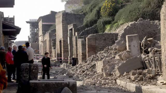 Eingestürztes Gebäude in Pompeji (Archiv)