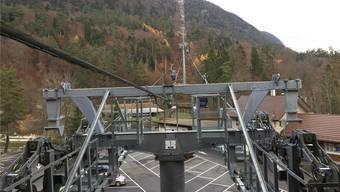 An jedem der 17 Masten werden zwei Seilbahn-Mitarbeiter die Rollenbatterien kontrollieren.