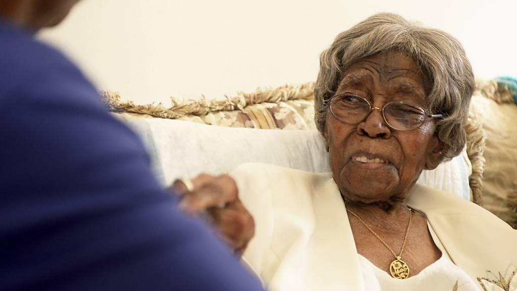 ARCHIV - Hester McCardell Ford starb im Alter von mindestens 115 Jahren in ihrem Haus in Charlotte im US-Bundesstaat North Carolina. Foto: Diedra Laird/The Charlotte Observer/AP/dpa/Archiv