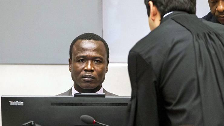 """Er war Kommandant der """"Lord's Resistance Army"""", die für ihr brutales Vorgehen in Uganda berüchtigt war. Nun muss sich Ongwen (l.) einem Menschenrechtsprozess stellen."""