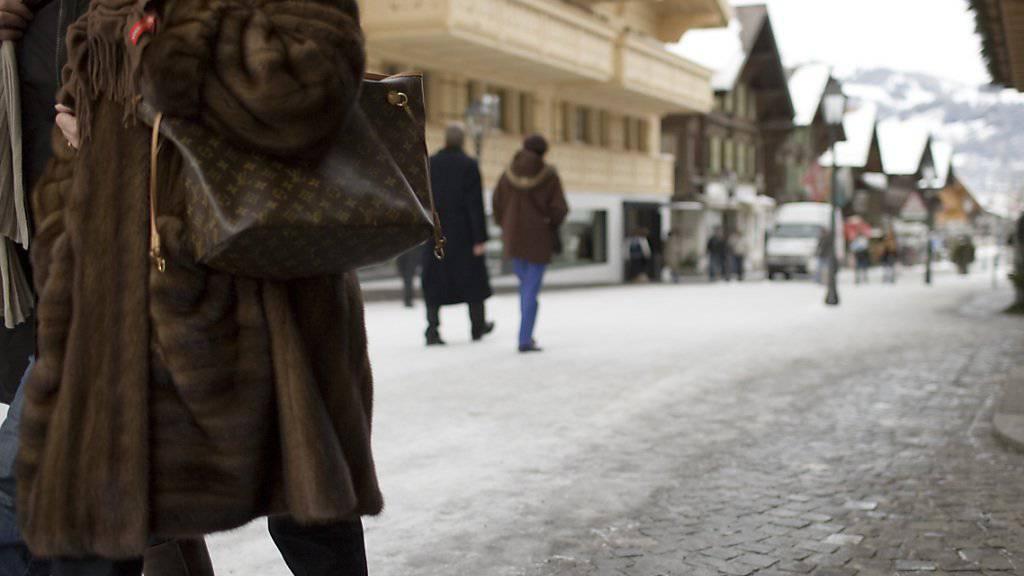 Russische Touristin in Gstaad: Russland erwägt, die Schweiz auf eine Steueroasen-Liste zu setzen. (Symbolbild)