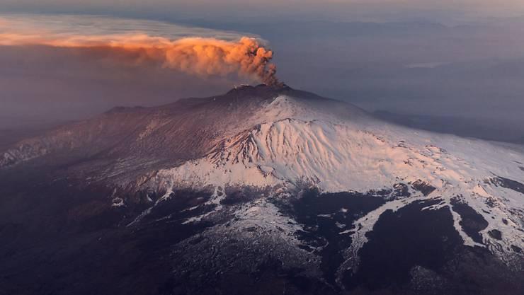 Der Ätna auf Sizilien rumort wieder. Eine neue Aktivitätsphase des Vulkans hat am 23. Dezember begonnen.  (Bild vom 20. Februar)