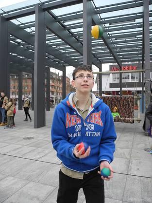 Zorilla (Lukas), 13, aus Dietikon jongliert auch gerne
