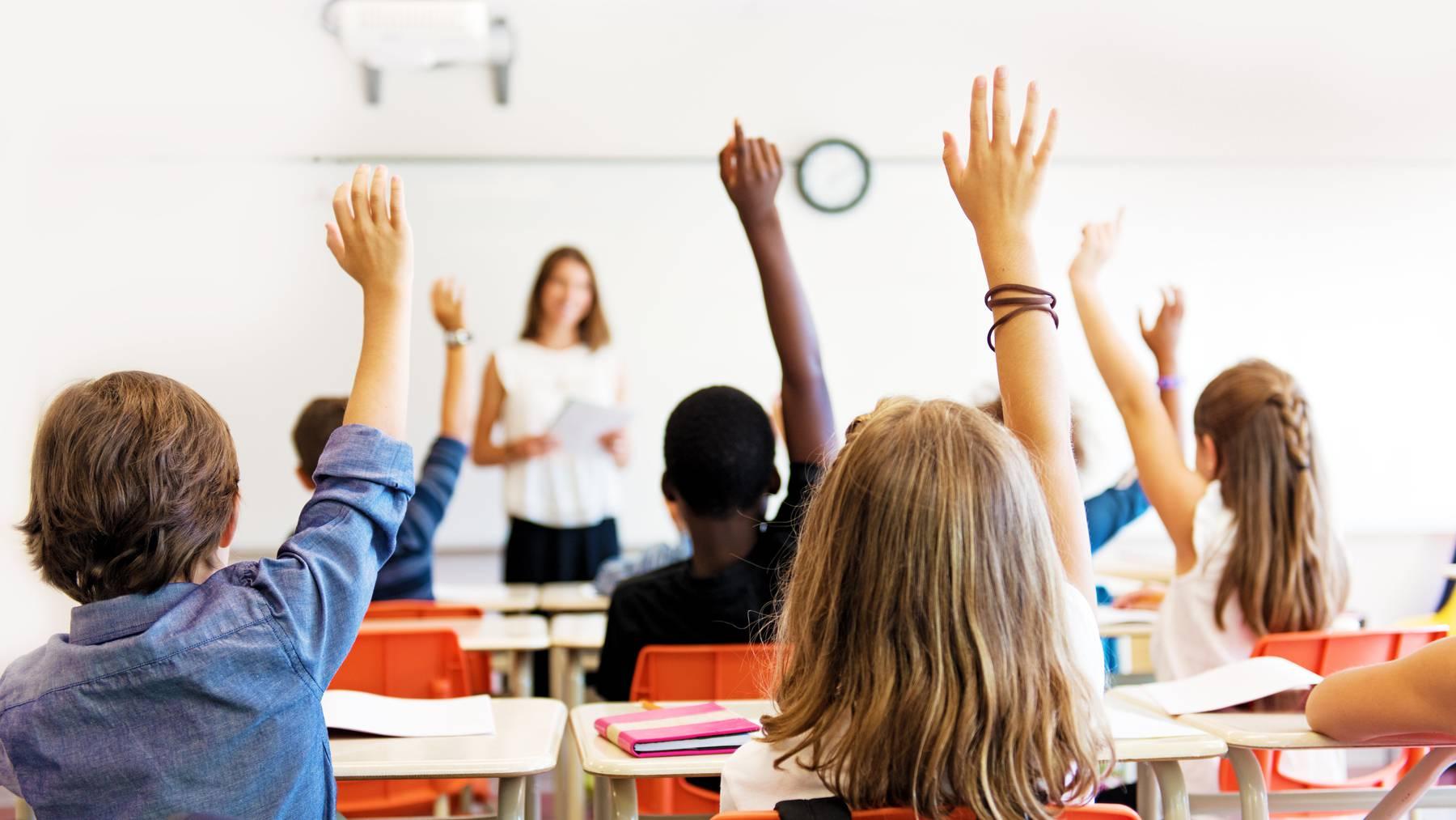 Die Hemmschwelle der Eltern gegenüber den Lehrern ist tiefer geworden. (Symbolbild)