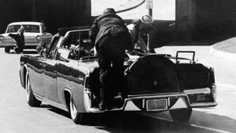 Am 26. Oktober 2017 werden die unter Verschluss gehaltenen Kennedy-Akten der Öffentlichkeit zugänglich gemacht. Bild: Kennedy-Ermordung in Dallas.