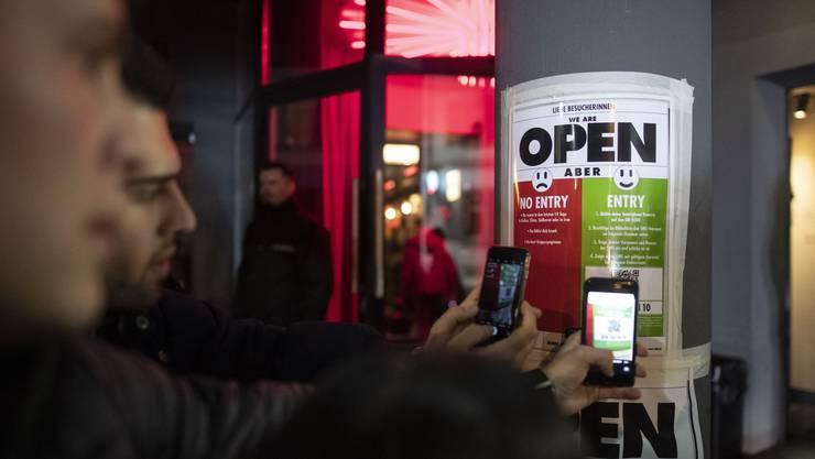 In Zürich kommen Partygäste ab Freitag nur noch mit personalisierten Tickets oder gültigen Personenangaben in Clubs.