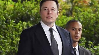 """Der amerikanische Star-Unternehmer Elon Musk ist am Freitag (Ortszeit) vom Vorwurf der Verleumdung freigesprochen worden, nachdem er einen Rettungstaucher als """"pädophilen Kerl"""" bezeichnet hatte."""