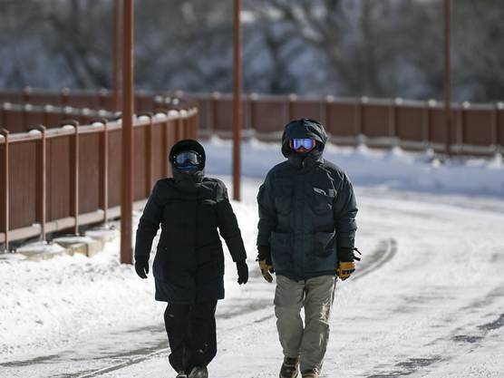 Gute Idee: Skibrillen für den Spaziergang, wie hier am Mississippi in Minneapolis.