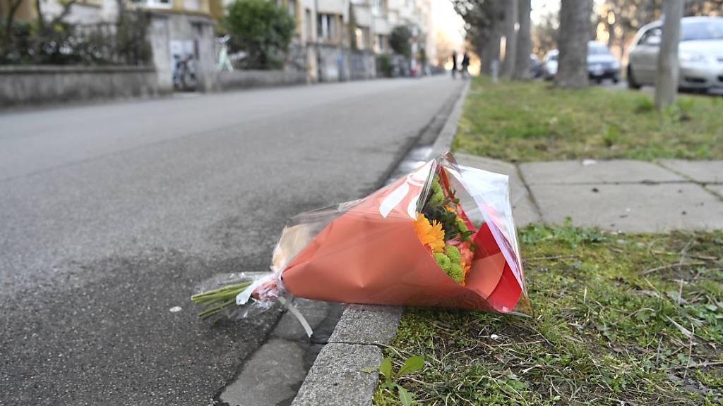 76-Jährige wird wegen Mordes an einem Kind verwahrt
