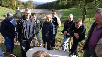 Teure Leitung: Auf der Vorderen Wältschimatt bestaunen Gäste den Frischwasseranschluss. (Jürg Jeanloz)