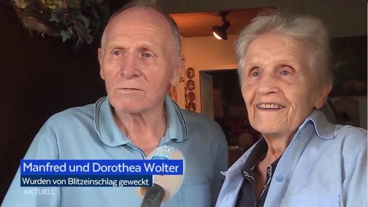 Beim Ehepaar Wolter aus Niederrohrdorf Schlug ein Blitz in ihr Hausdach ein.