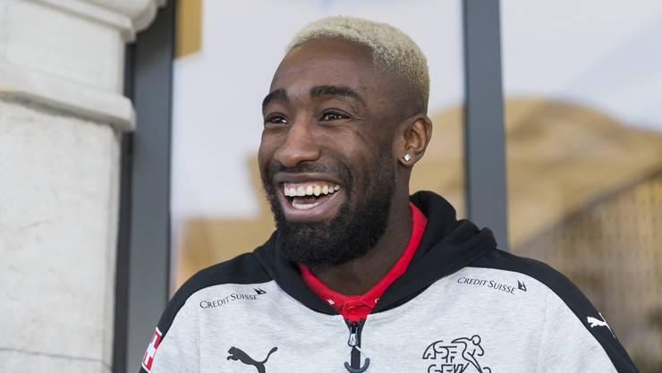 Djourou hat eine Wette verloren: Darum färbte er sich die Haare blond.