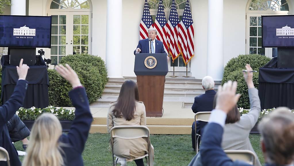 Die USA beklagen, dass Russland systematisch Abkommen verletzen und beispielsweise über den Amtssitz des derzeitigen US-Präsidenten Donald Trump in Washington fliegen würde. (Archivbild)