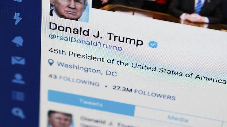 US-Präsident Donald Trump hat auf einen Schlag Hunderttausende Follower auf Twitter verloren. (Archivbild)