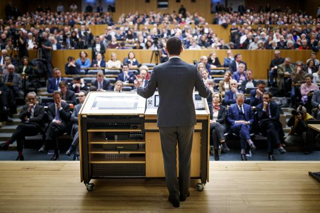 Der Genfer Staatsrat Maudet hatte die Mitglieder der FDP Genf darum gebeten, in der Politik bleiben zu dürfen.