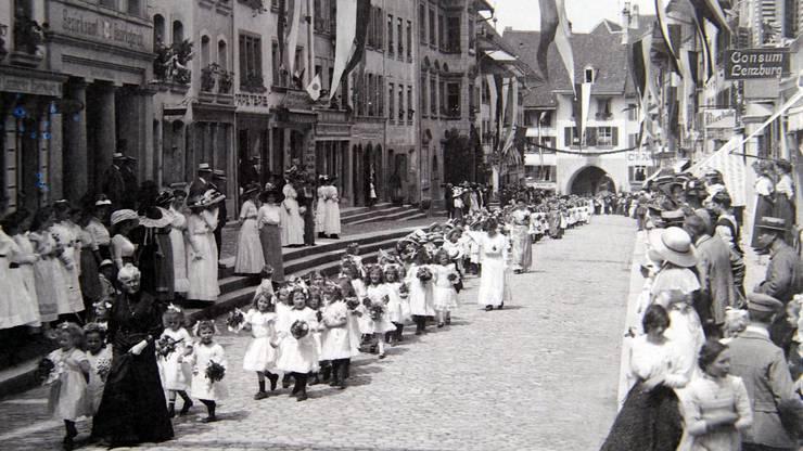 Weitere historische Bilder vom Jugendfest Lenzburg.