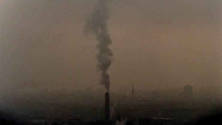 Bei tieferen Temperaturen wird die Luftverschmutzung im Mittelland gut sichtbar.