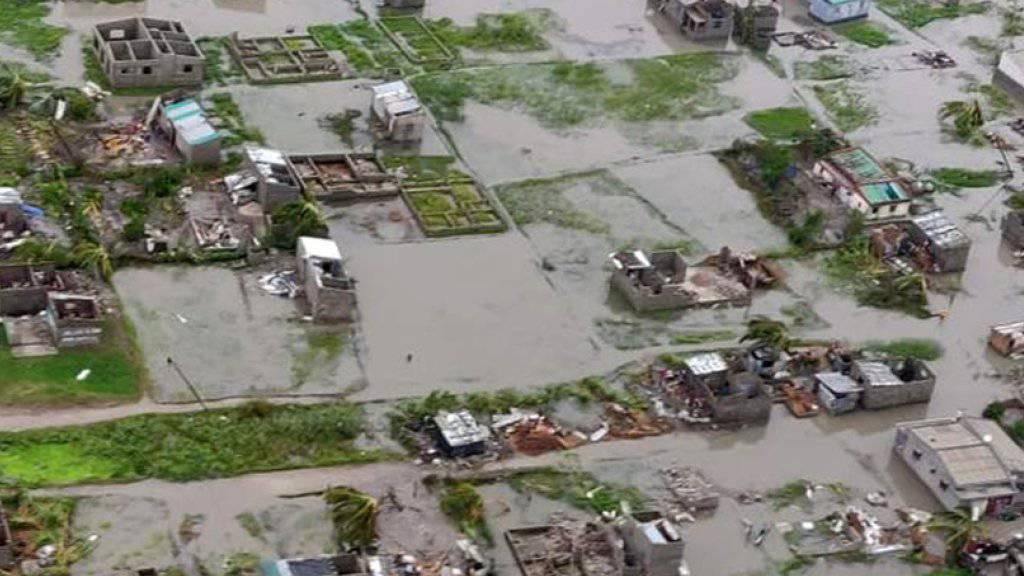 Das Unwetter zerstörte in Mosambik vielerorts Strassen und Gebäude.
