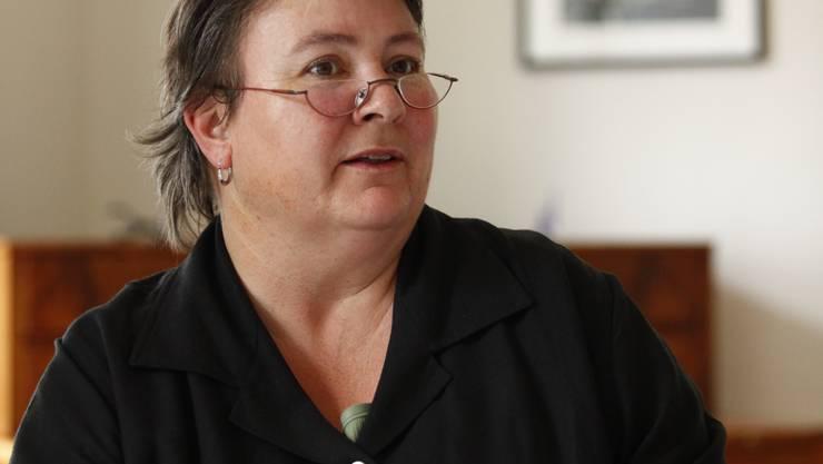 Heidi Scholer verwaltet den Lotteriefonds und erklärt, dass jeder Beitrag der Baselbieter Bevölkerung zugute kommt.