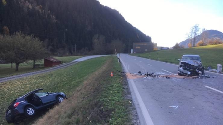 Vier Personen wurden bei der Frontalkollision verletzt, ein 80-jähriger Lenker schwer.