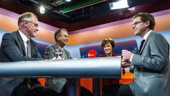 Es diskutierten Hansjörg Knecht (SVP, links), Philipp Müller (FDP) und Ruth Humbel (CVP) mit az-Chefredaktor Christian Dorer.