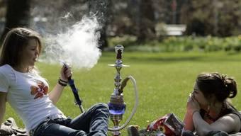 Die neue Steuer hat das Shisha-Rauchen massiv verteuert. (Archiv)