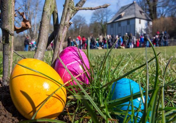 Wann feiern wir Ostern? Jedes Jahr am Sonntag nach dem ersten Vollmond im Frühling, also jeweils nach dem 22. März und vor dem 25. April.