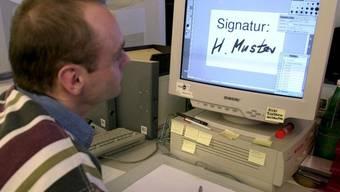 Die elektronische Unterschrift soll einfacher werden (Archiv)