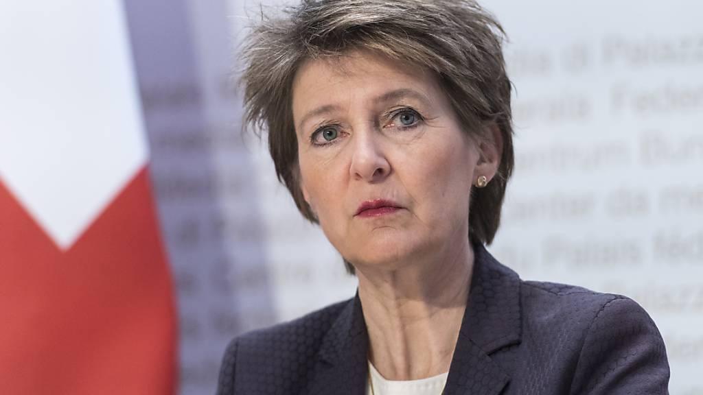 Bundesrat riegelt Schweiz ab - Truppen mobilisiert