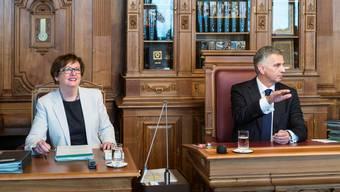 Gesagt ist gesagt: Oder doch nicht? Bundeskanzlerin Corina Casanova, Bundespräsident Didier Burkhalter. keystone