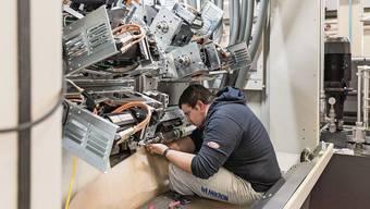 Für die Wartung von Maschinen sind oft auch ausländische Spezialisten gefragt.