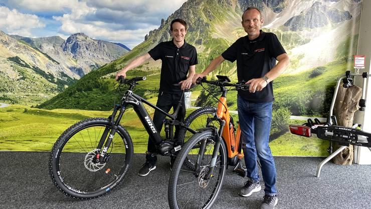 Dürfen sich über ein brummendes Geschäft freuen: René Hartmann, Geschäfsleiter 2-Rad-Center Hartmann, Velohändler, Lenzburg.