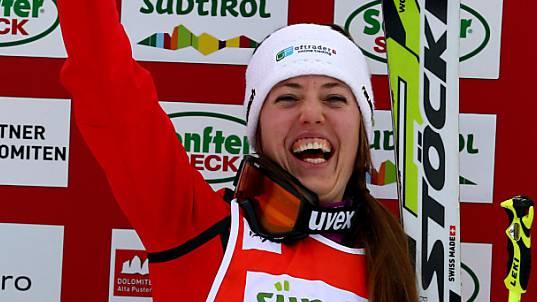 Katrin Müller feiert ihren dritten Weltcup-Sieg.