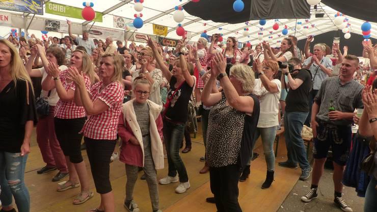 Solche Szenen bleiben dieses Jahr aus: Schlager-Party am Schupfart-Festival.
